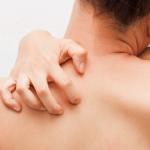 肌のかゆみの原因は夏と冬で違う?ストレスや乾燥のせいもある?内臓も