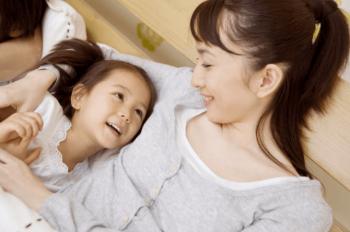 シングルマザー看護師と小学生の子供